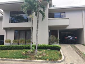 Casa En Ventaen Escazu, Escazu, Costa Rica, CR RAH: 17-1028
