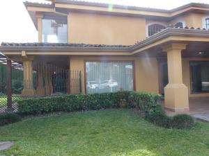 Casa En Alquileren Guachipelin, Escazu, Costa Rica, CR RAH: 17-1033