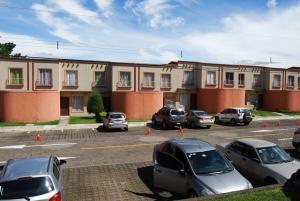 Apartamento En Alquileren Santa Ana, Santa Ana, Costa Rica, CR RAH: 17-1045