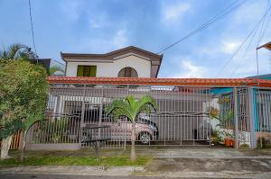 Casa En Ventaen Tres Rios, La Union, Costa Rica, CR RAH: 17-1044