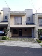 Casa En Ventaen Guadalupe, Goicoechea, Costa Rica, CR RAH: 17-1049