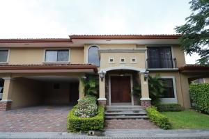 Casa En Ventaen Santa Ana, Santa Ana, Costa Rica, CR RAH: 17-1051