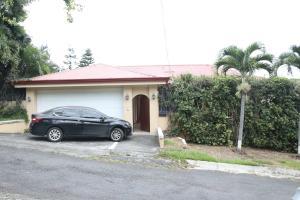 Casa En Ventaen Santa Ana, Santa Ana, Costa Rica, CR RAH: 17-1055