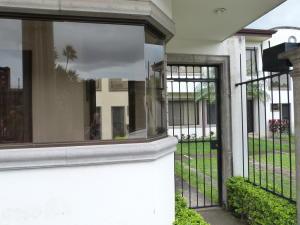 Casa En Alquileren Guachipelin, Escazu, Costa Rica, CR RAH: 17-1064