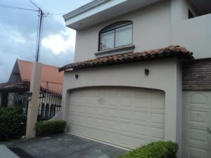 Casa En Alquileren Santa Ana, Santa Ana, Costa Rica, CR RAH: 17-1072