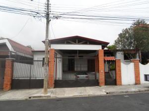Apartamento En Alquileren Moravia, Moravia, Costa Rica, CR RAH: 17-1085