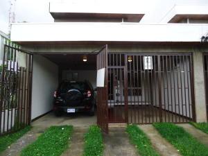 Casa En Alquileren San Jose, Goicoechea, Costa Rica, CR RAH: 17-1086