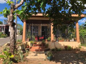Casa En Ventaen Puntarenas Centro, Montes De Oca, Costa Rica, CR RAH: 18-4