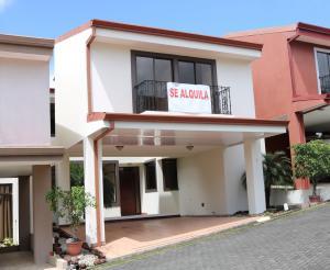 Casa En Ventaen Granadilla, Montes De Oca, Costa Rica, CR RAH: 18-14