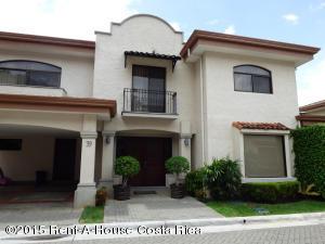 Casa En Alquileren Santa Ana, Santa Ana, Costa Rica, CR RAH: 18-16