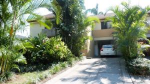 Casa En Ventaen Escazu, Escazu, Costa Rica, CR RAH: 18-17