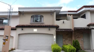 Casa En Ventaen Santa Ana, Santa Ana, Costa Rica, CR RAH: 18-28