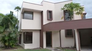 Casa En Alquileren Pozos, Santa Ana, Costa Rica, CR RAH: 18-42