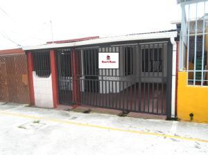Casa En Venta En Goicoechea - Guadalupe Código FLEX: 19-760 No.1