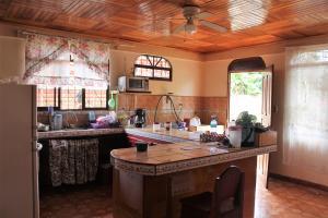 Casa En Venta En Perez Zeledon - San Jose Código FLEX: 19-1096 No.8