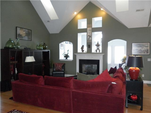 Photo of home for sale at 9766 Kingston Circle, Powell OH