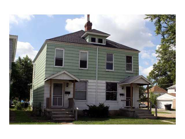 Photo of home for sale at 123 Morrill Avenue E, Columbus OH