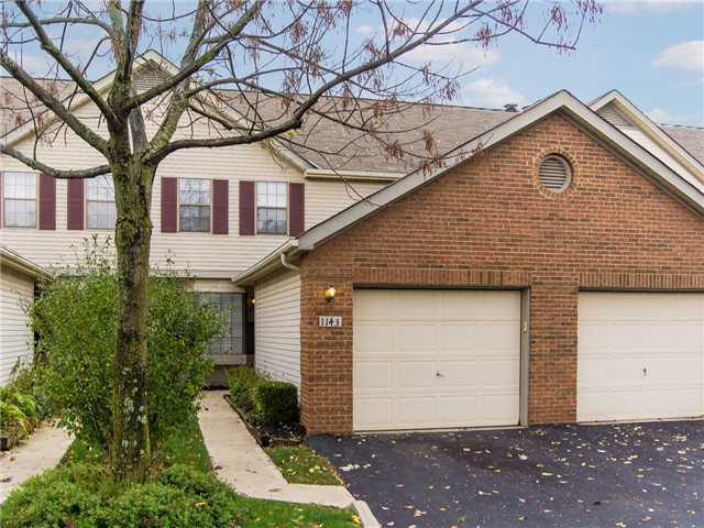 Photo of home for sale at 1143 Brookview Circle, Pickerington OH