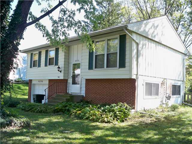 Photo of home for sale at 4096 Chesford Road, Columbus OH