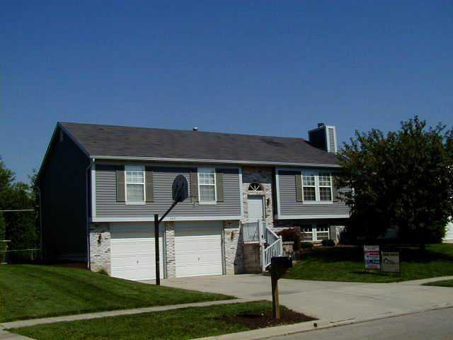 Photo of home for sale at 445 Carriage Drive, Plain City OH