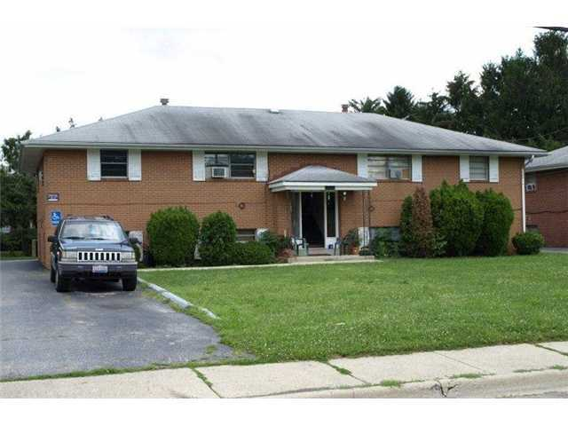Photo of home for sale at 1606 Elaine Road, Columbus OH