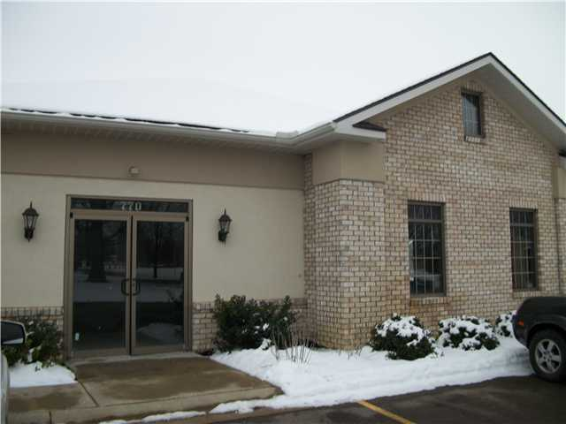 Photo of home for sale at 780 Court Street N, Circleville OH