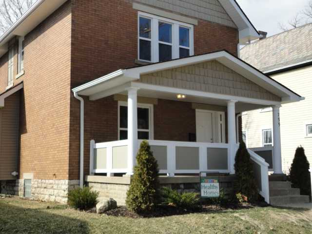 Photo of home for sale at 799 Heyl Avenue, Columbus OH