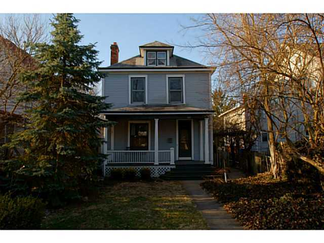 Photo of home for sale at 167 Blake Avenue E, Columbus OH