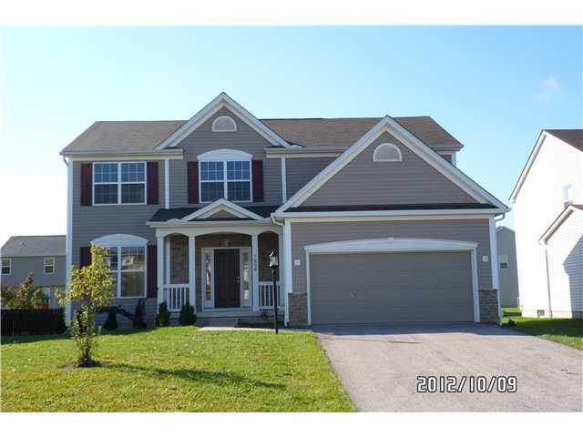 Photo of home for sale at 1008 Taylor Glen Boulevard E, Pataskala OH