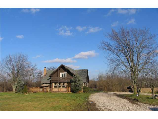 Photo of home for sale at 9794 Crottinger Road, Plain City OH