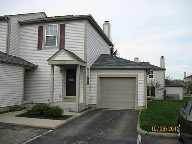 Photo of home for sale at 205 Hawkins Lane, Blacklick OH