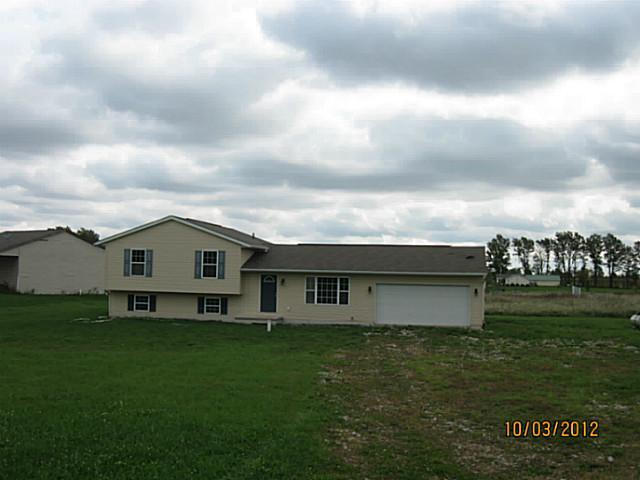 Photo of home for sale at 10730 Crouse Willison Road, Johnstown OH