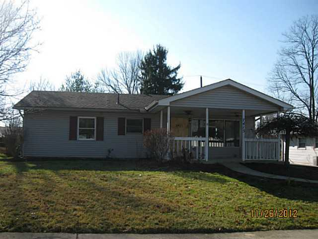 Photo of home for sale at 7415 Sabre Avenue, Reynoldsburg OH