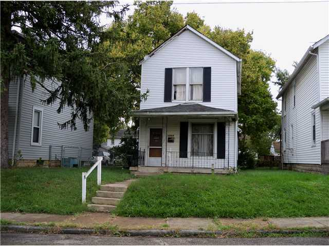 Photo of home for sale at 1569 Thomas Avenue, Columbus OH