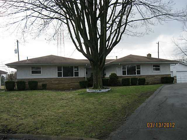 Photo of home for sale at 939 Weyant Avenue S, Columbus OH