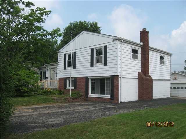 Photo of home for sale at 6598 Olde Mill Run, Reynoldsburg OH