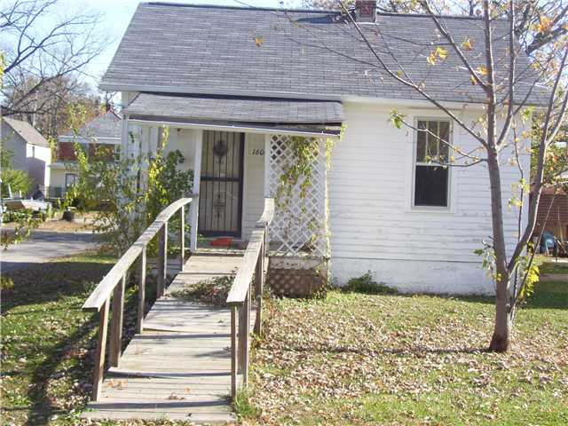 Photo of home for sale at 1606 Central Avenue S, Columbus OH