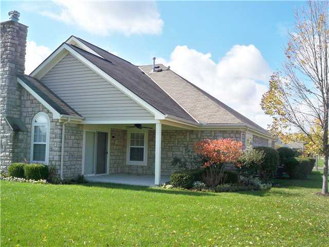 Photo of home for sale at 6210 Hampton Green Place, Dublin OH
