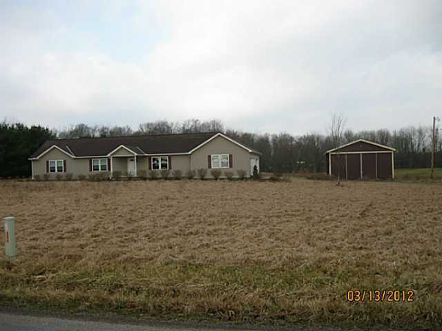 Photo of home for sale at 9973 Cooper Road, Johnstown OH