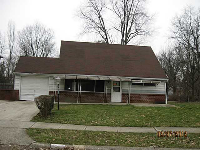 Photo of home for sale at 1399 Benson Drive, Columbus OH