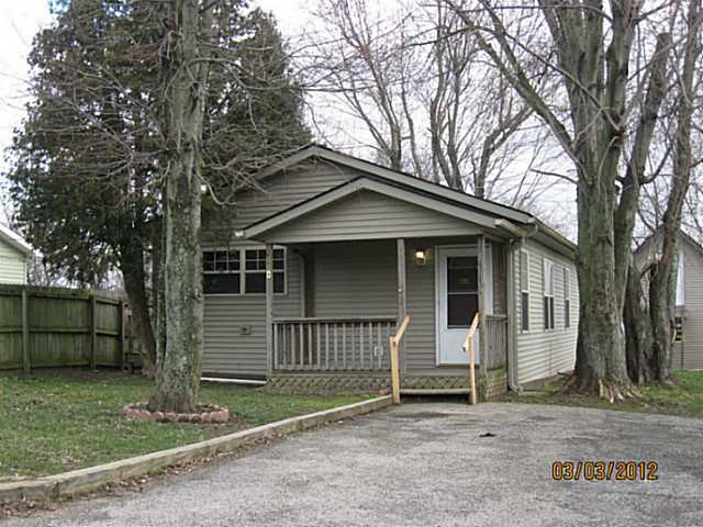 Photo of home for sale at 191 King Avenue SW, Pataskala OH