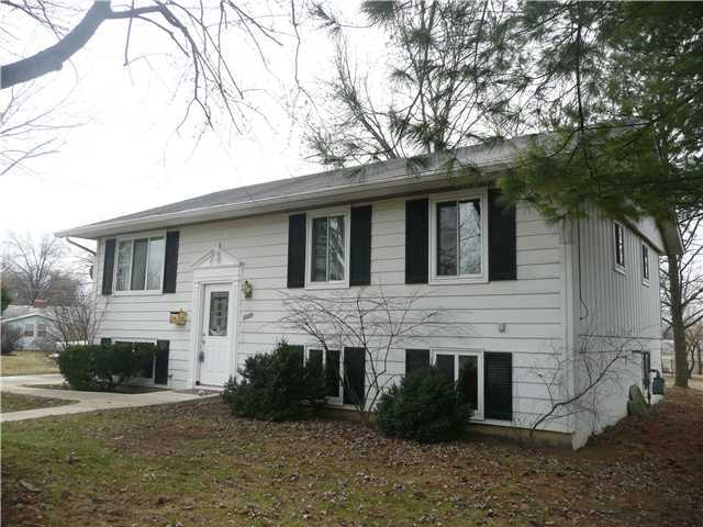 Photo of home for sale at 6329 Rygate Court, Reynoldsburg OH