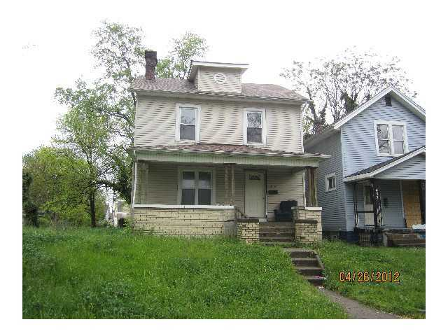 Photo of home for sale at 456 Ohio Avenue N, Columbus OH