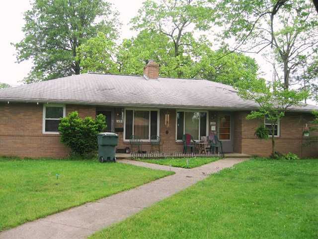 Photo of home for sale at 113 Sunnyside Lane, Columbus OH