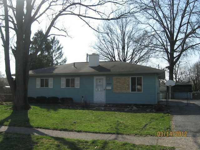 Photo of home for sale at 1055 Cottingham Road, Reynoldsburg OH
