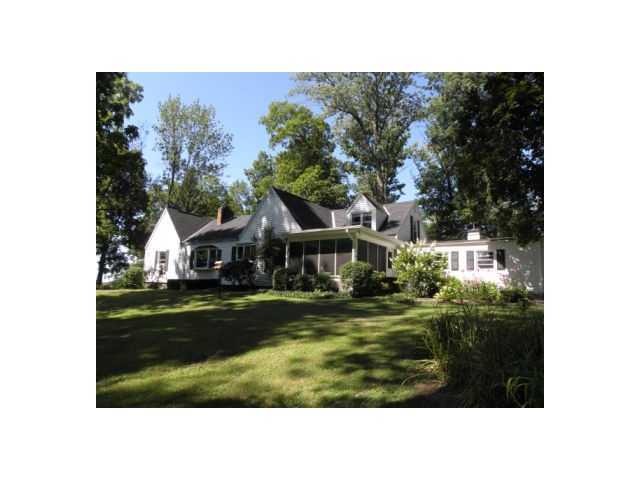 Photo of home for sale at 5651 Newark Road, Mount Vernon OH