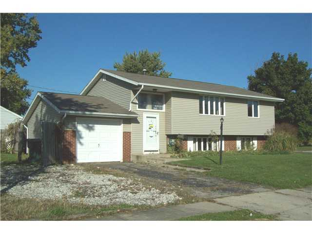 Photo of home for sale at 3760 Adell Road, Columbus OH