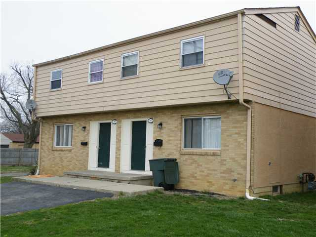 Photo of home for sale at 238-240 Southampton Avenue N, Columbus OH