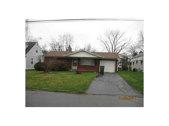Photo of home for sale at 1965 Genessee Avenue, Columbus OH