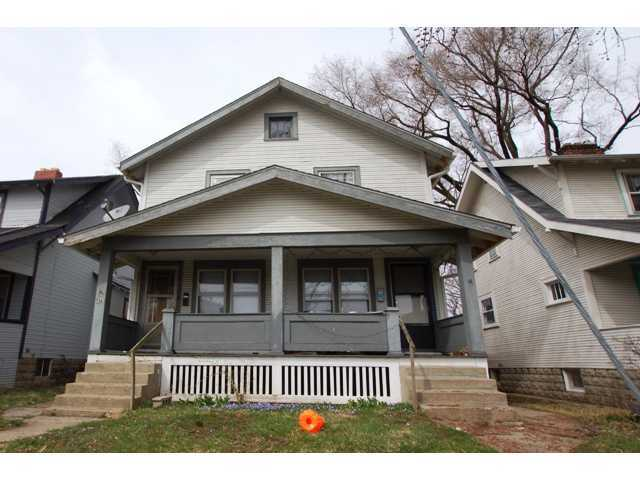 Photo of home for sale at 476-478 Alden Avenue, Columbus OH